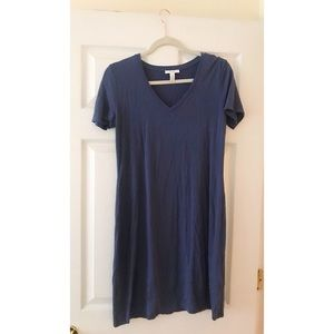 Dresses & Skirts - T-shirt dress.